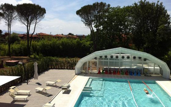 Piscina_esterna_wellness_resort