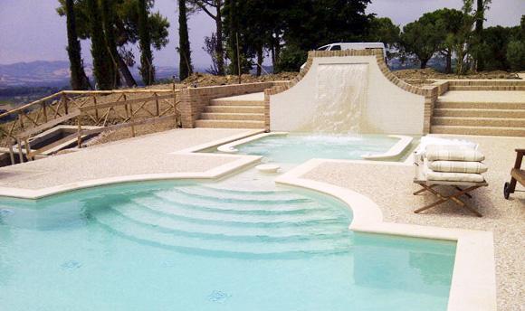 fano_culligan_piscine-esterne-piscina-sfioro